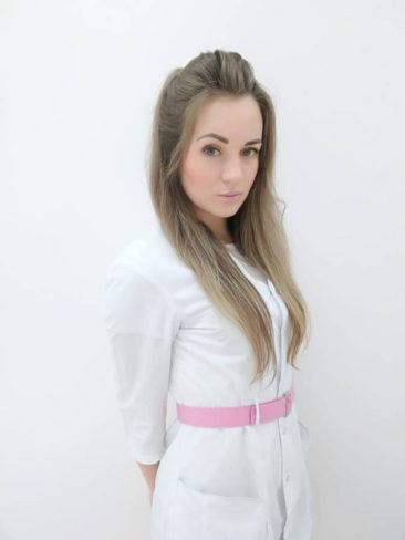 Мельникова Виктория Александровна, администратор